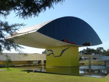 Museu Oscar Niemeyer Curitiba (Derechos reservados) mariordo@aol.com