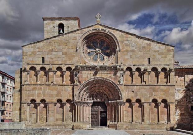 29-igreja-de-santo-domingo-soria_big
